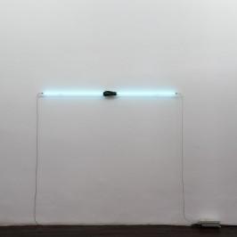 Au Musée de Minéralogie :  Evariste Richer,  Killing time, 2010,  Spessartite, grenats, compteur de cellules sanguines,  Courtesy : Galerie Schleicher & Lange, Paris,  Photographie : Klaus Stöber