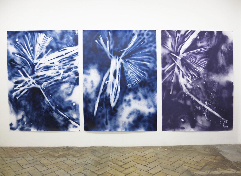 François Génot,  Hanté 1,2,3,  2014,  peinture aérosol sur papier,  180cmx130cm