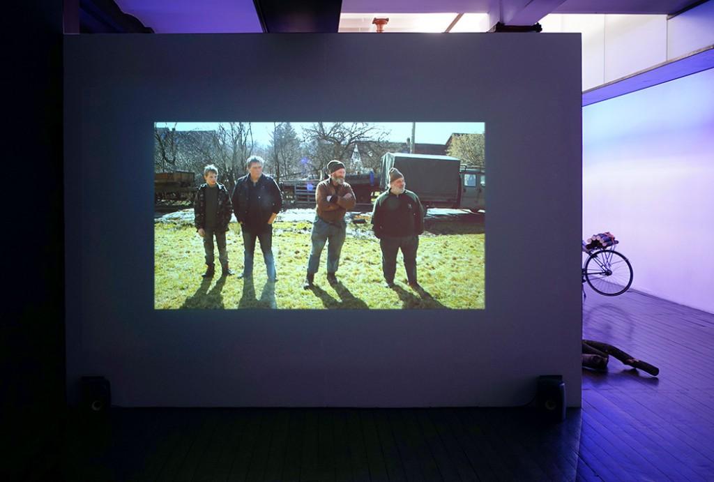 Ultralocal (vue d'exposition), Bertille Bak, Le Hameau, 2014, crédit photo: R.Görgen