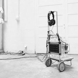 Yoshiya Hirayama, Beat of lemonade, 2015 - installation multimédia et vidéo, 15'32 min, 300 x 300 x 300 cm, vidéo, couleur, son