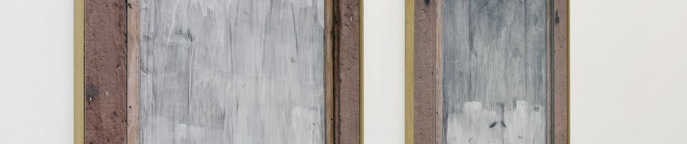 Philippe Gronon Vitrine n°1 et Vitrine n°2, Sélestat 2003 2 Photographies à l'échelle 1 de vitrines passées au blanc d'Espagne avec un encadrement en grès rose, prises Place d'Armes à Sélestat 2 x (178 x 131 cm) © Adagp, Paris Photo : Mathieu Bertola/Service photographique interne des musées de la Ville de Strasbourg