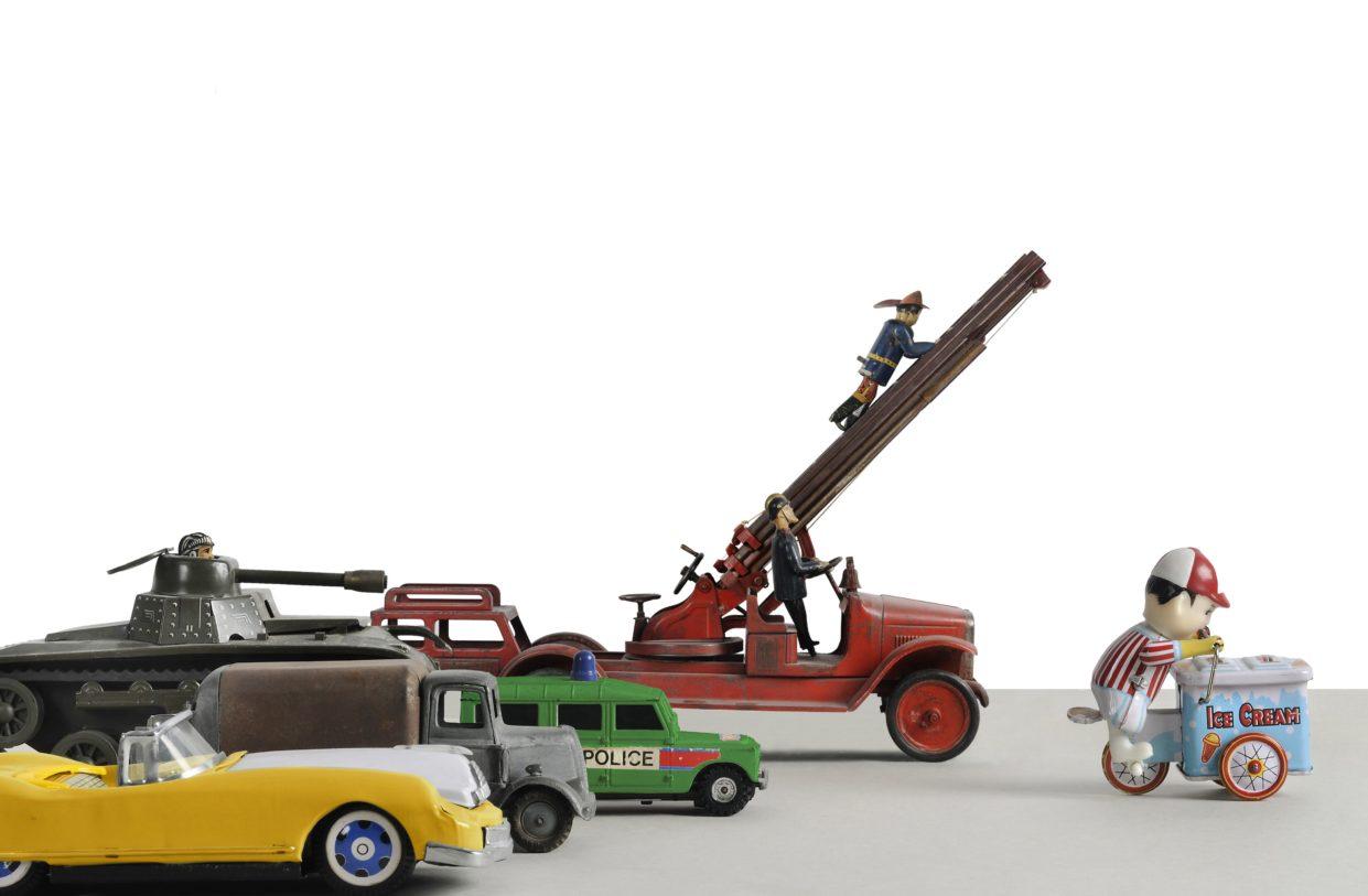 D'après Jean de la Lune de Tomi Ungerer, montage de jouets, collection Musée Tomi Ungerer, 2012
