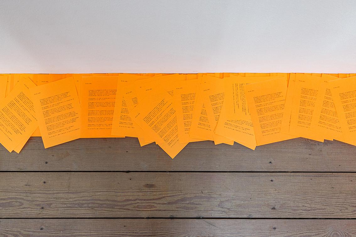 Fanny Latreille, Pierres de mauvaises langues, Tract 1981-2020, impression laser sur papier, 2020 (c) Sébastien Zimmermann