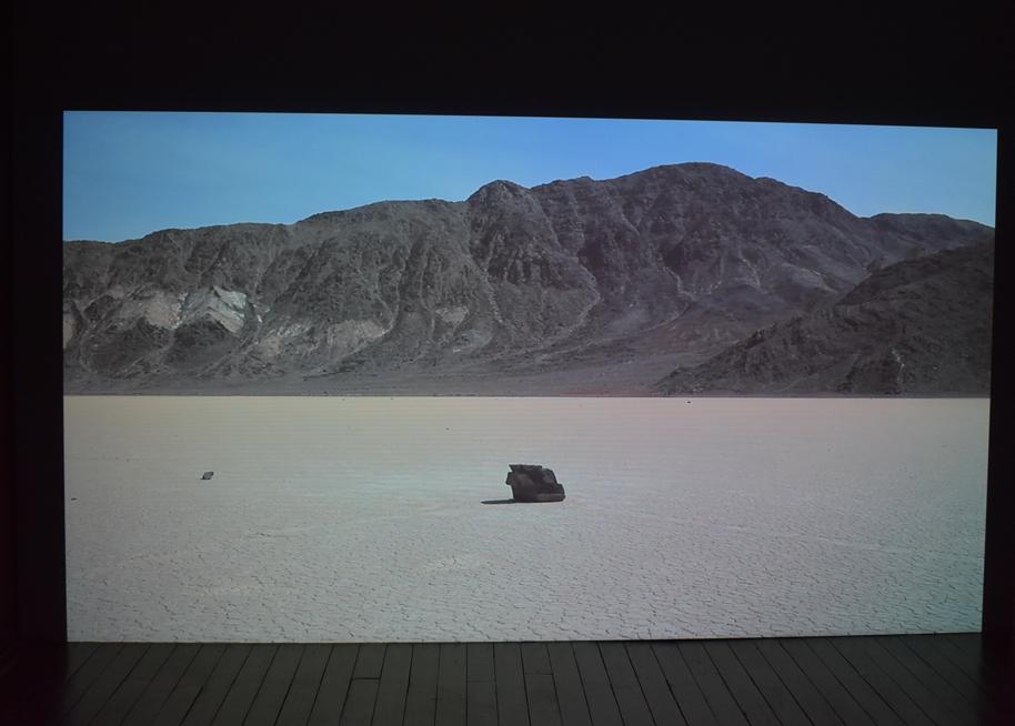 Adrien Missika, Sailing Stones, 2011, vidéo sonore, durée : 11'04'', Frac Alsace