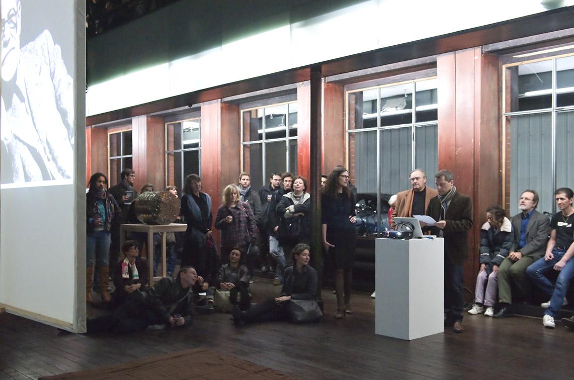 Vue de la performance « Cristaux atteints de dépression », Gernod Wieland – 29/10/2010 – Photo : Klaus Stöber