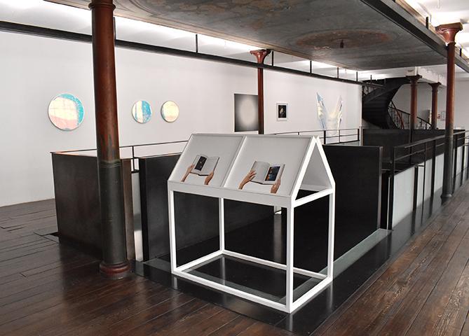 Prismes, vue d'exposition au CEAAC, 2020