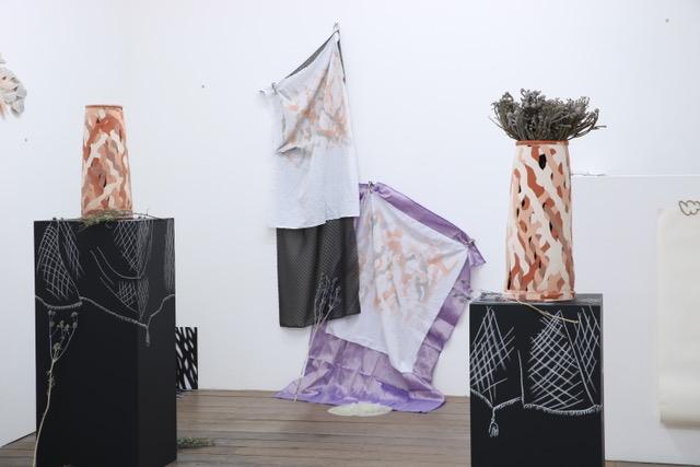 """Lorine Boudinet, vue de l'exposition """"Embrasser l'inachevé"""", Espace international, © Lorine Boudinet"""