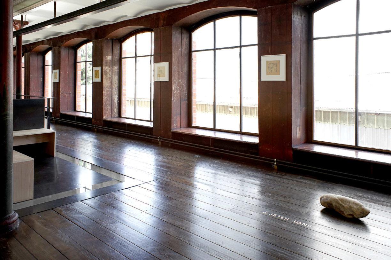 Au mur : Erica Baum, ensemble d'oeuvres, 2009 © photo: R. Görgen