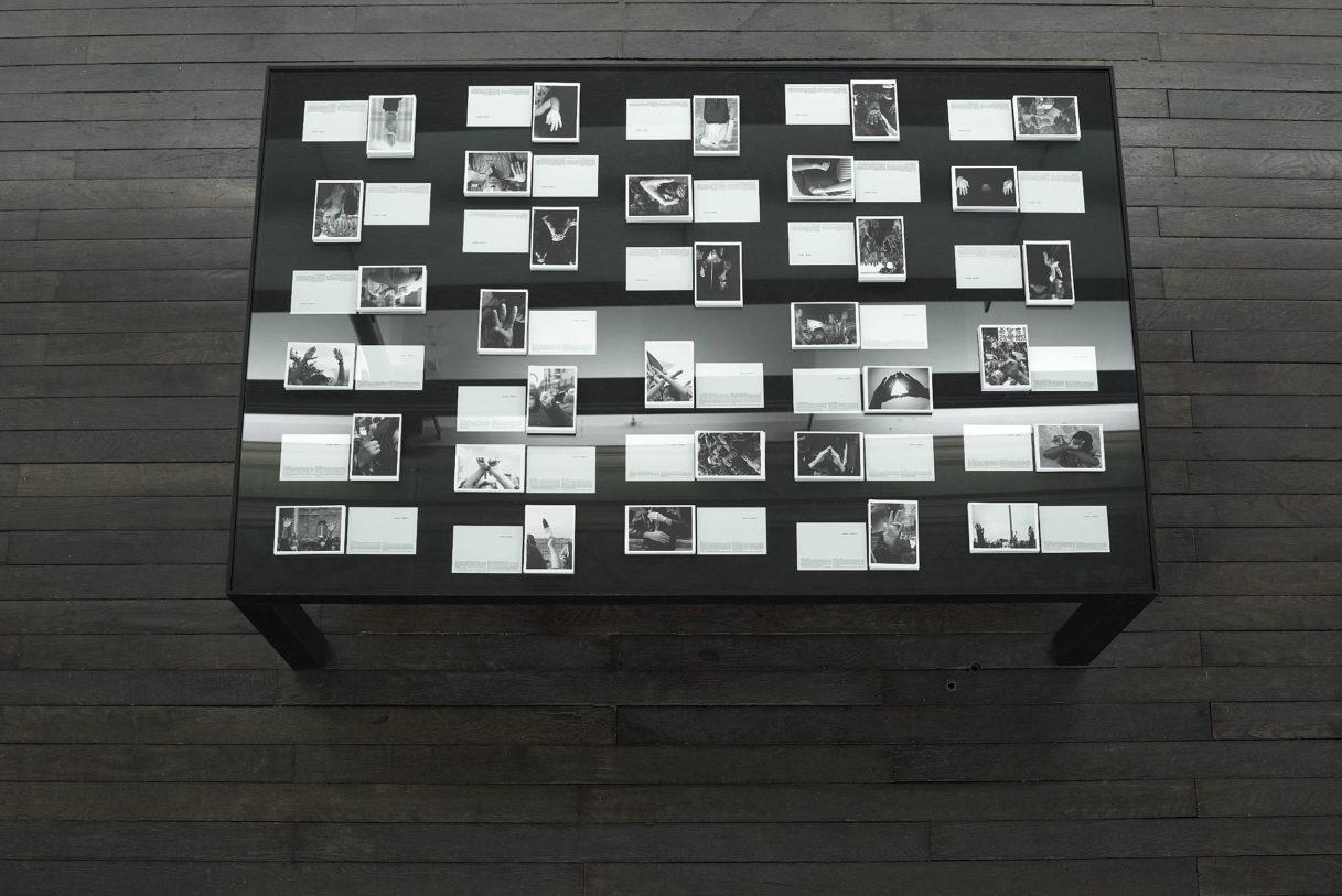 """Marianne Mispelaëre, """"Silent Slogan"""", vue de l'exposition """"Nouer le reste"""", CEAAC, 2021, ©R. Görgen"""